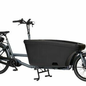Een elektrische bakfiets in de kleur grijs met zwart